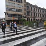 Policia de Perú que restringue el acceso